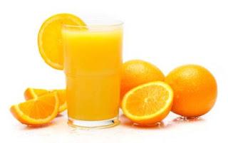 Kulit wajah akan lebih terawat dan mencegah munculnya jerawat dengan mengkonsumsi jus buah jeruk