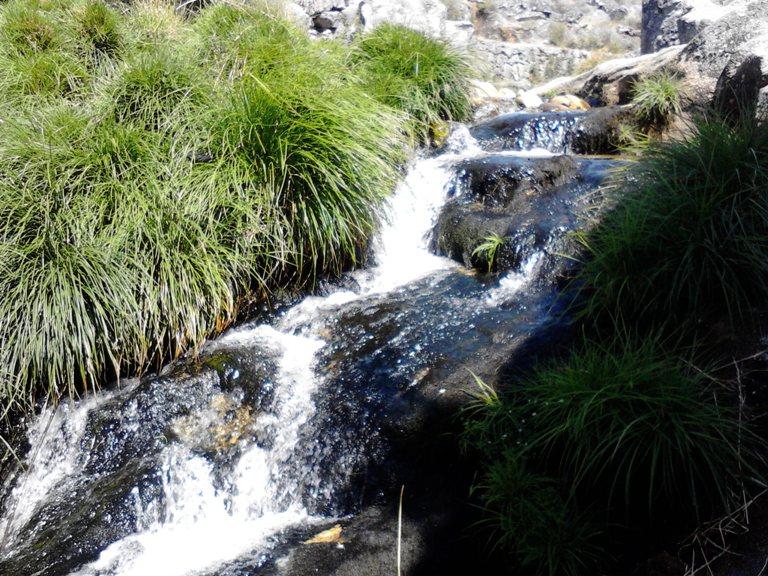 Mini queda de água na Mizarela