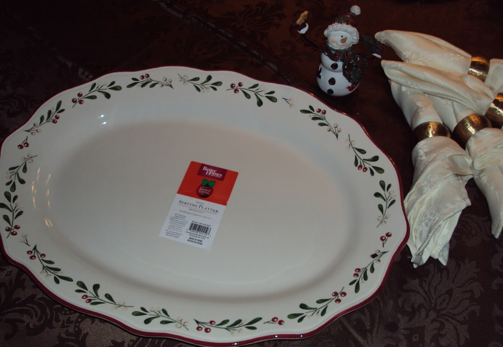 Mission: Locate Holiday Dinnerware by Better Homes & Gardens, Wal ...