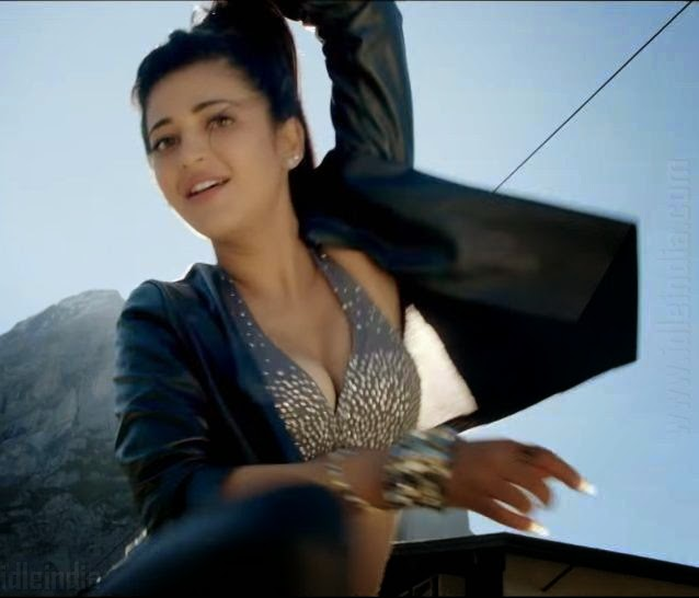 Poojai Movie Shruti Hassan Hot Cleavage Photos
