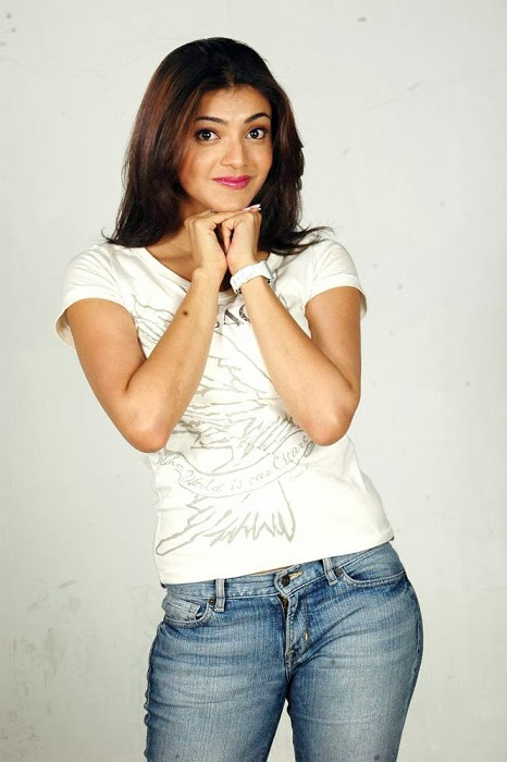 Kajal+Agarwal+Hot+And+Cute+In+Tight+T shirt+%2526+Jeans+Photos004