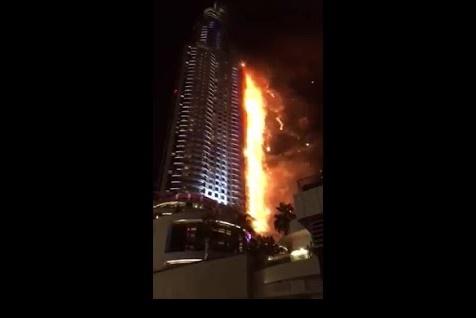 """شاهد بالفيديو """"حريق برج خليفة"""" اليوم فى احتفالات راس السنة بامارة دبى"""
