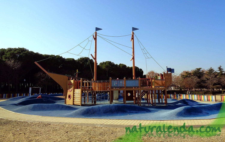 parque infantil barco pirata