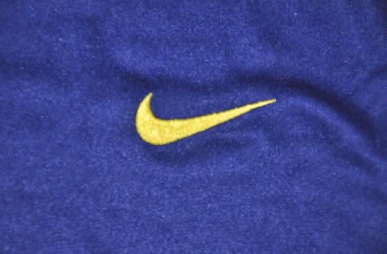 Logo Nike Bordir Pada Jaket Barcelona Terbaru Season 2014-2015