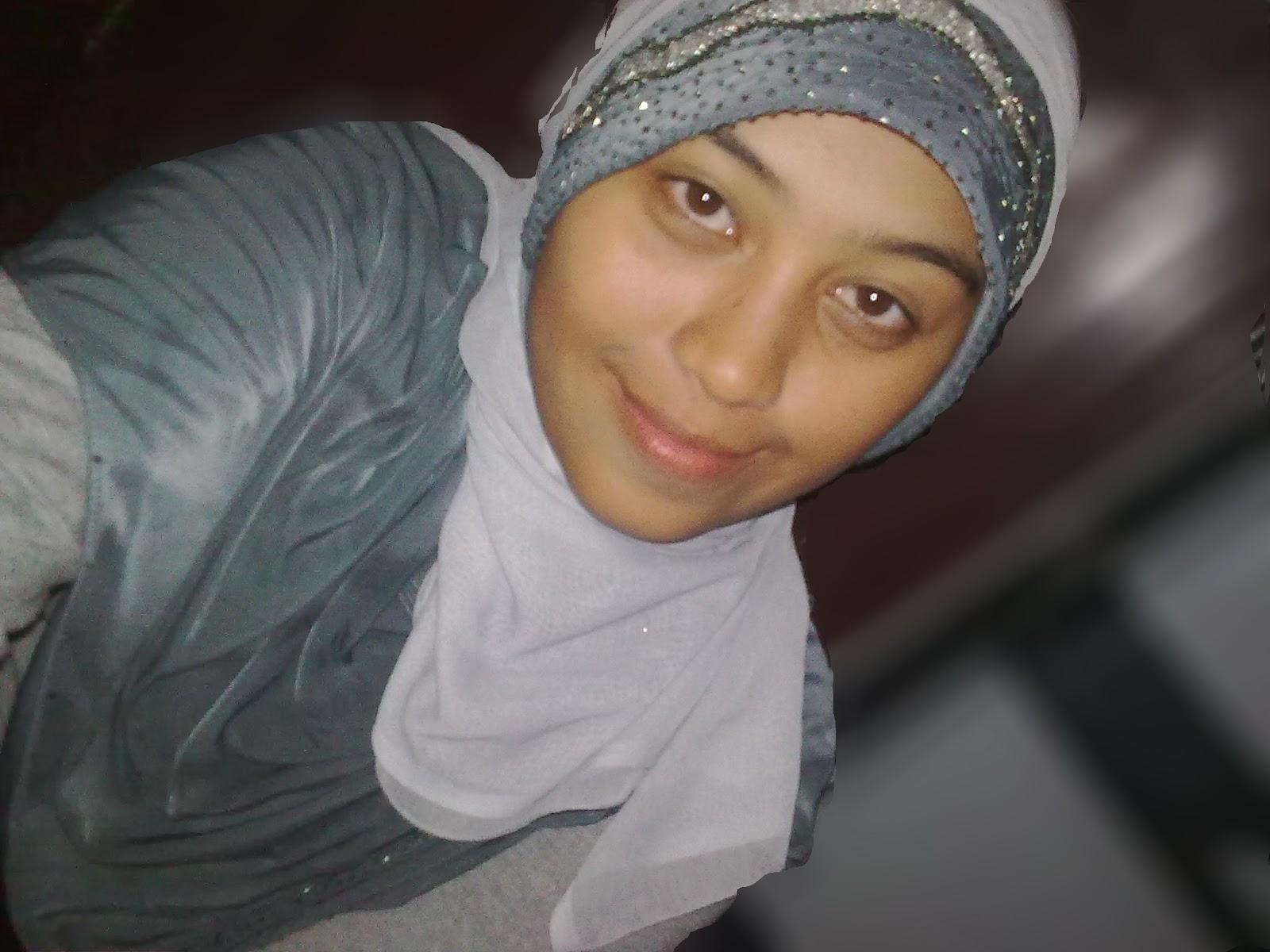 Azizah93: Cewek muslimah cantik