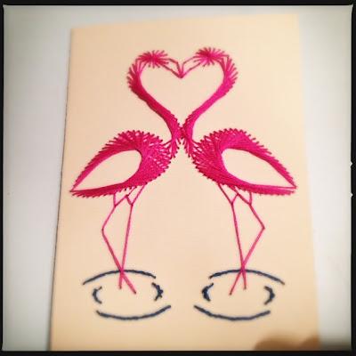 Broderet kort, flamingoer