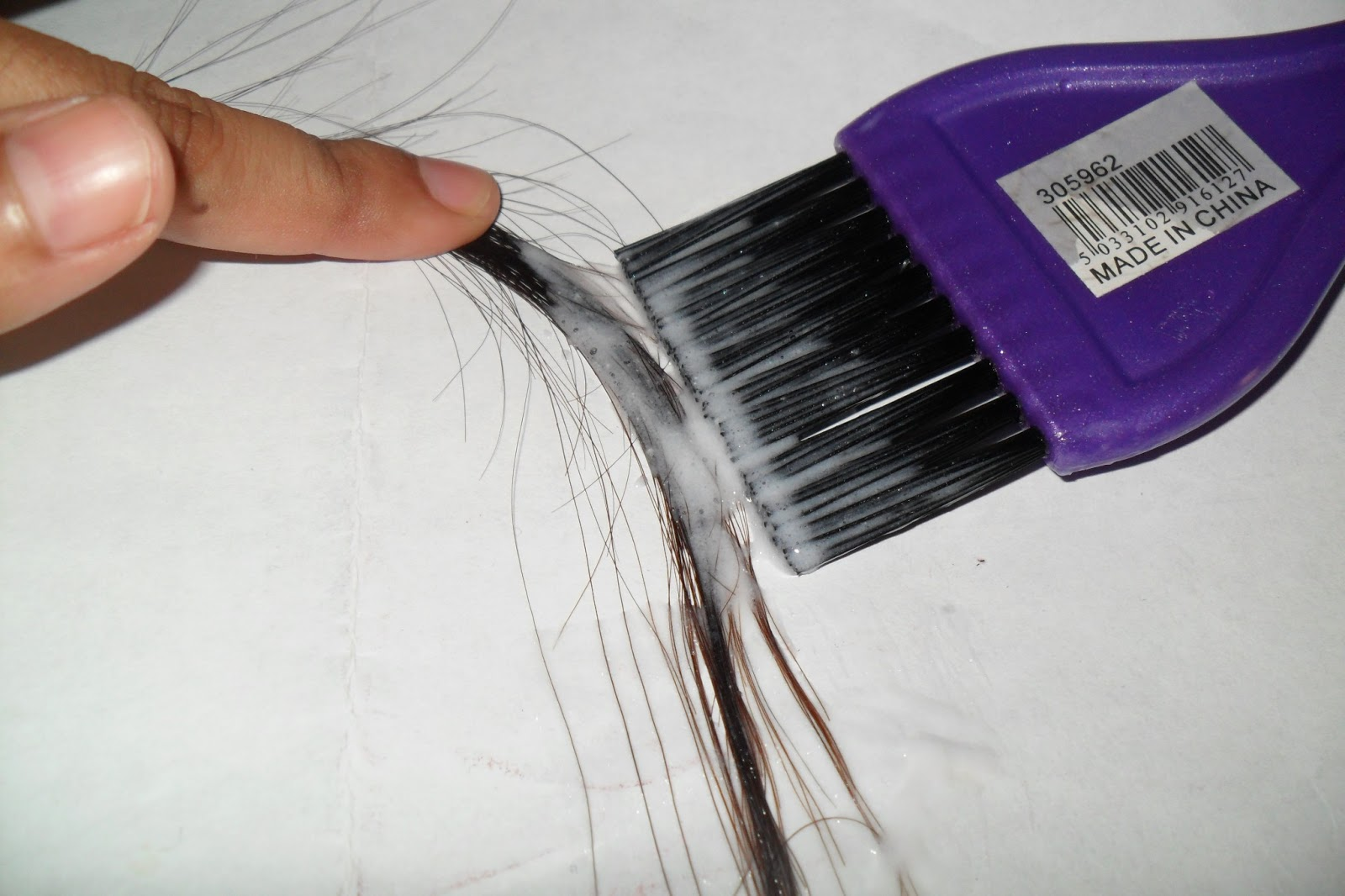How to Do a Strand Test Before Dyeing Your Hair pics