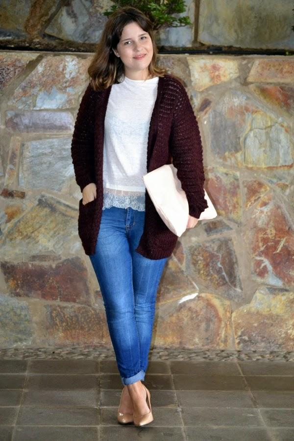 look_outfit_cardigan_oversize_burdeos_zapatos_nude_lolalolailo_04