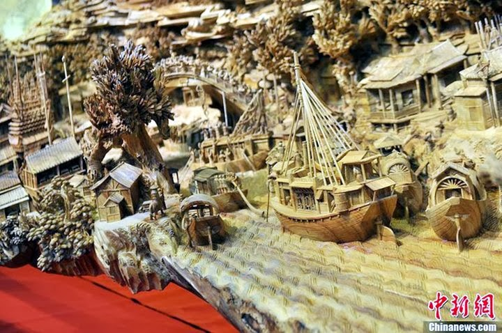Zheng Chunhui and The World's Longest Wooden Carving