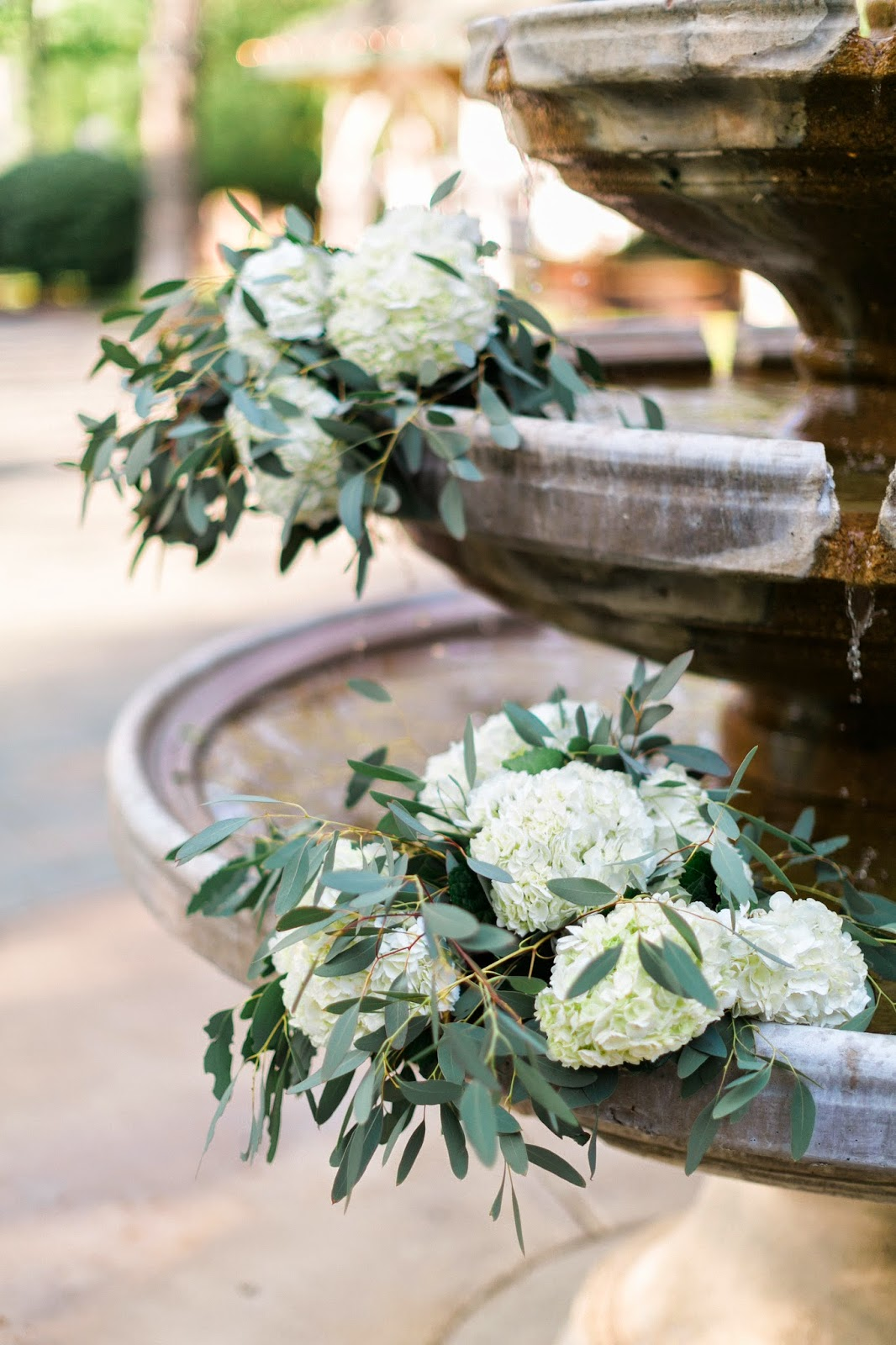 The Blooming Bride, DFW, Fort Worth, Texas, Wedding Flowers, fountain, sanford house