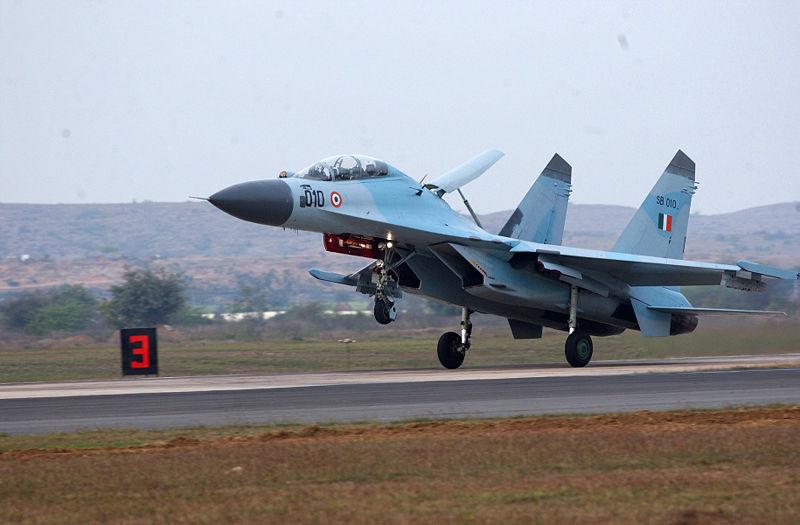 IAF Su-30MKI vs PLAF Su-35S 800px-SU-30MKI_India