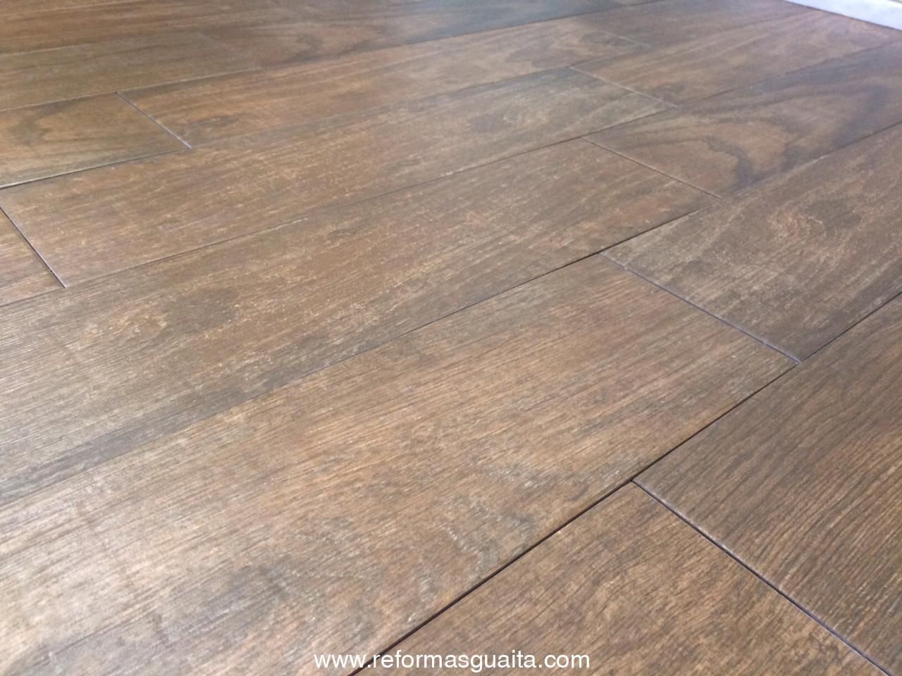 suelo cocina imitacion madera