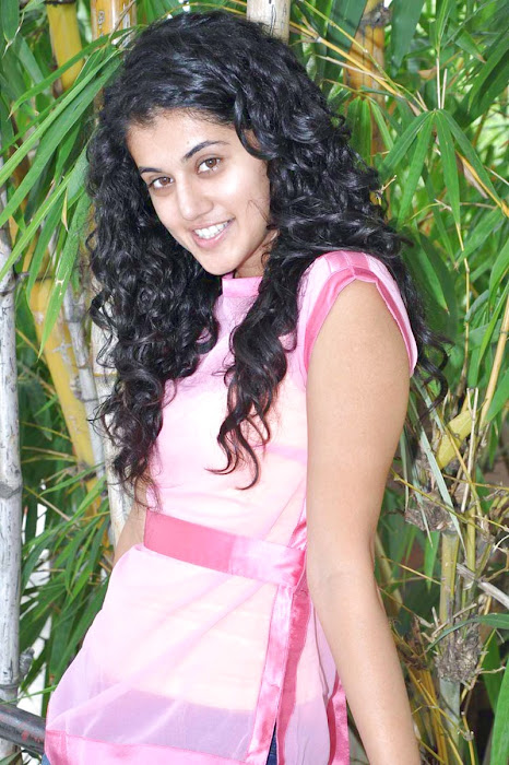 tapsee new looking - mogudu interview unseen pics
