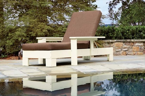 Pallet sofa inexpensive seating arrangement ideas for Couch and loveseat arrangement ideas
