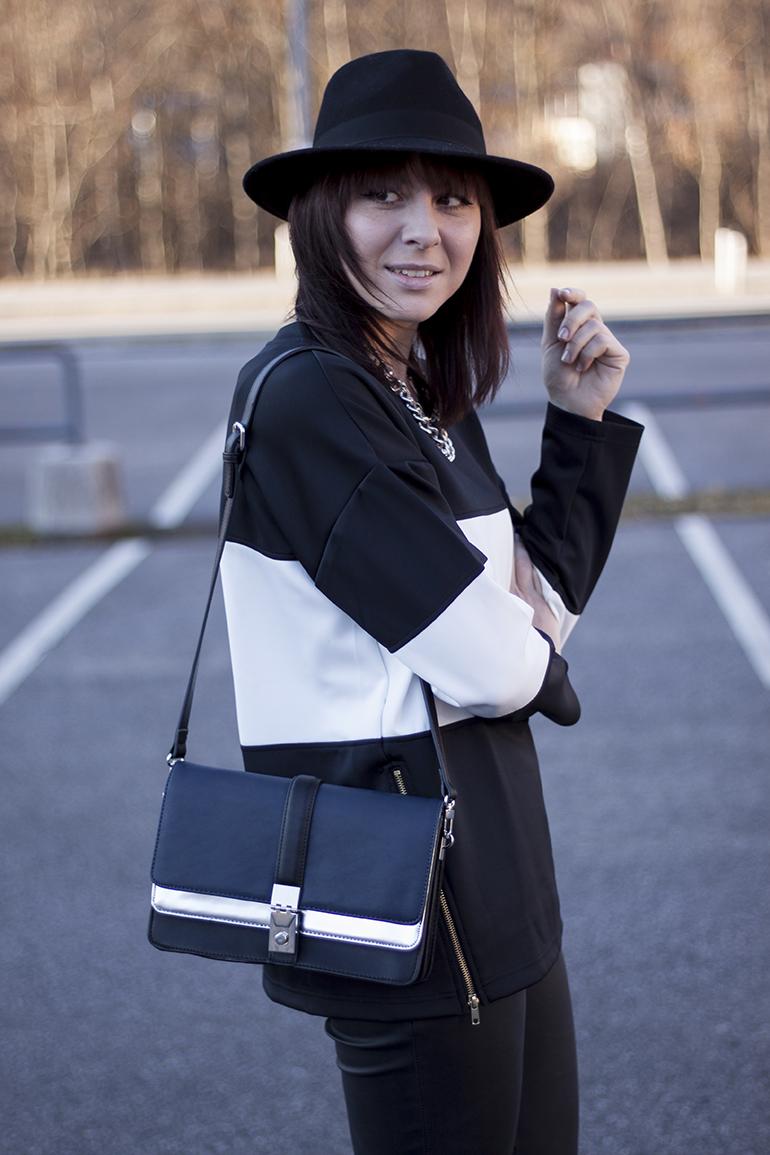 outfit-fashionblogger-who-is-mocca-streifenshirt-sheinside-lederhose-isabel-marant-boots-zara-tasche-silber