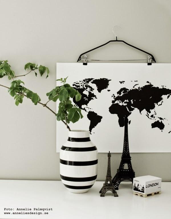 världskarta, svartvita världskartor, eiffeltorn, eiffeltornet, memoblock med svartvitt motiv, svartvit, svarta och vita, vitt, vit, vita, svart, randig vas, stora vaser, gröna kvistar, grön kvist, på väggen, inrending, inrendingsblogg, tavor, tavla, konsttryck, posters, prints,
