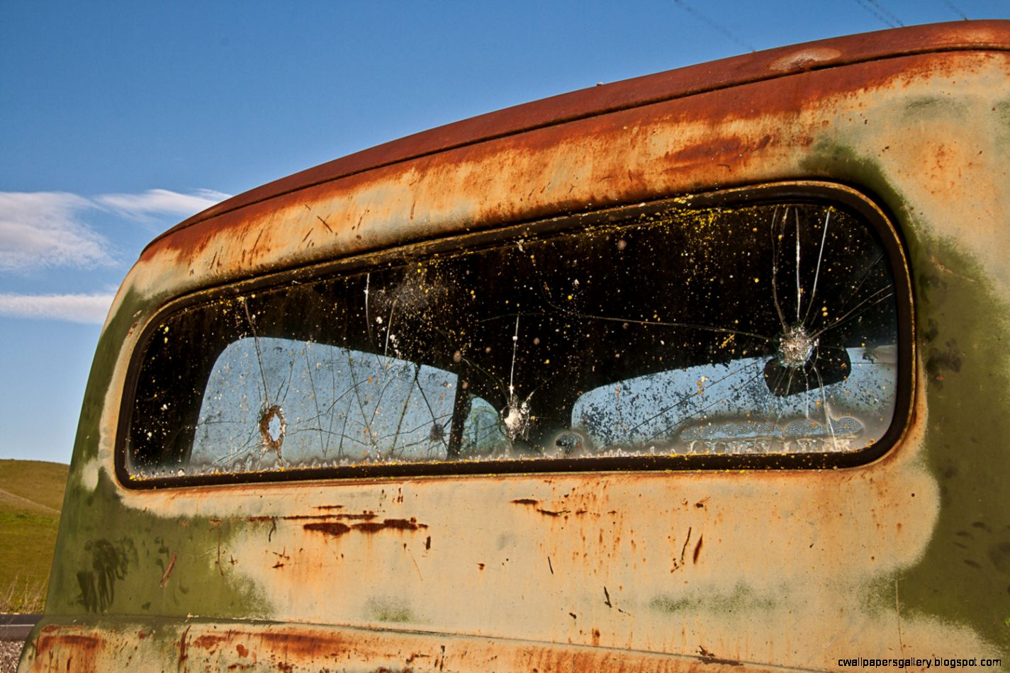 Pickup Truck Cap Window