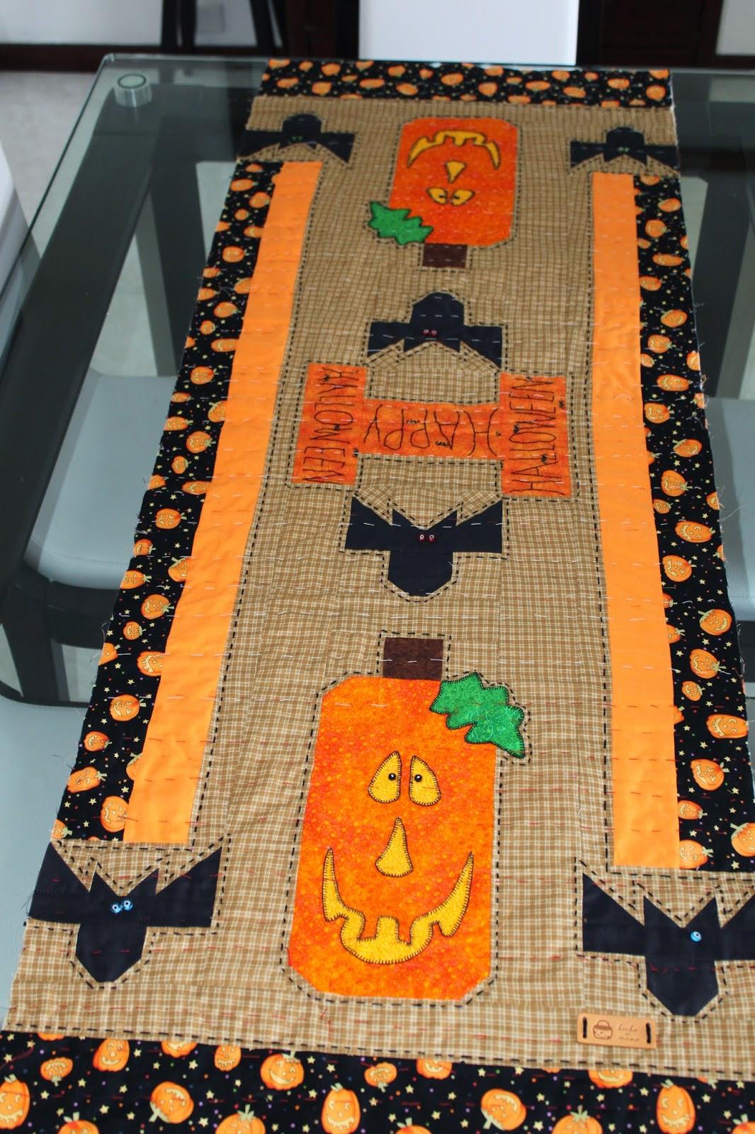 Labores de liliana camino de mesa halloween en patchwork - Caminos de mesa de papel ...