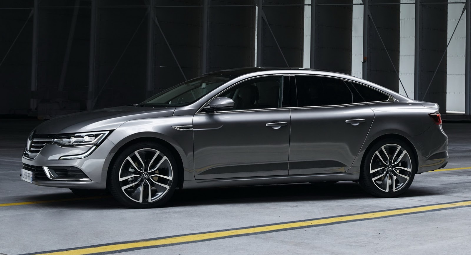 Citroen Ds5 2019 >> The New Renault Talisman Is Out And It's… Unmistakably German [68 Pics & Video] | Carscoops