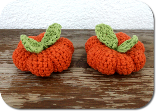 Crochet pumpkin, easy and free crochet pattern | Happy in Red