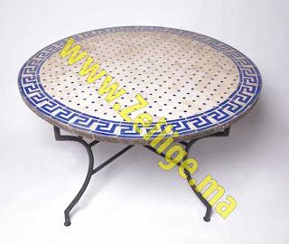tables en mosa que zellige marocaine spirale ronde avec pieds fer forg n 20 des tables en. Black Bedroom Furniture Sets. Home Design Ideas