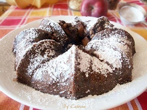 Ciambella di pane,mele,uvetta e pinoli