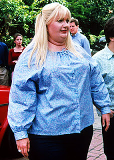 Gwyneth Paltrow in fat suit for Shallow Hal premier ugly overweight Farrelly Brothers