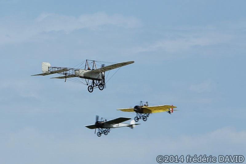 spectacle avion hélice ancien vintage meeting aérien La Ferté Alais Essonne