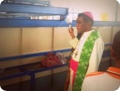 Pabrik Sagu Rakyat Mimika Diresmikan Uskup John Saklil