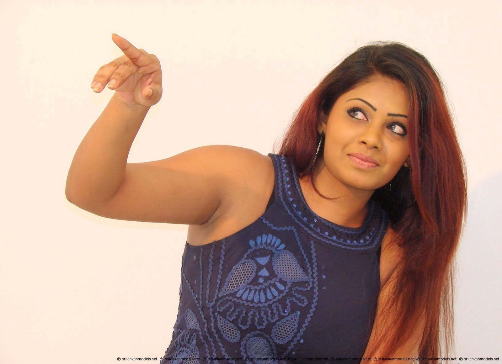 Sri Lankan upcoming Model Wijayanthi Madubashini's image collection