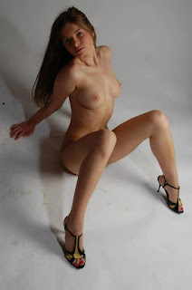 Naked brunnette - rs-9031055u7t-783398.jpg
