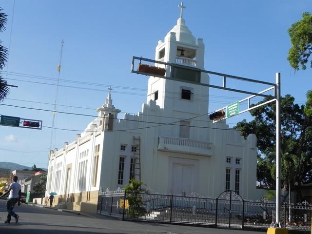 Matrimonio Catolico Fuera Del Templo : Odonnell casado remozan templo católico de ocoa