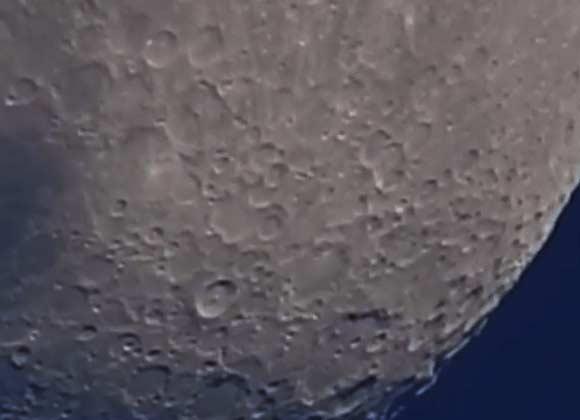 Con la Nikon Coolpix P900 puedes ver la luna así de cerca