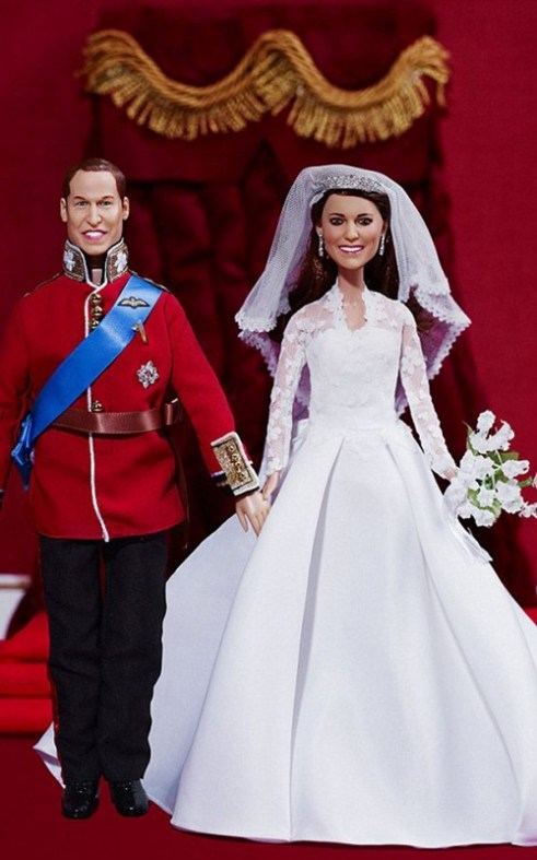 "Prince William And Kate Middleton ""Wedding Day"" Dolls Photos !"