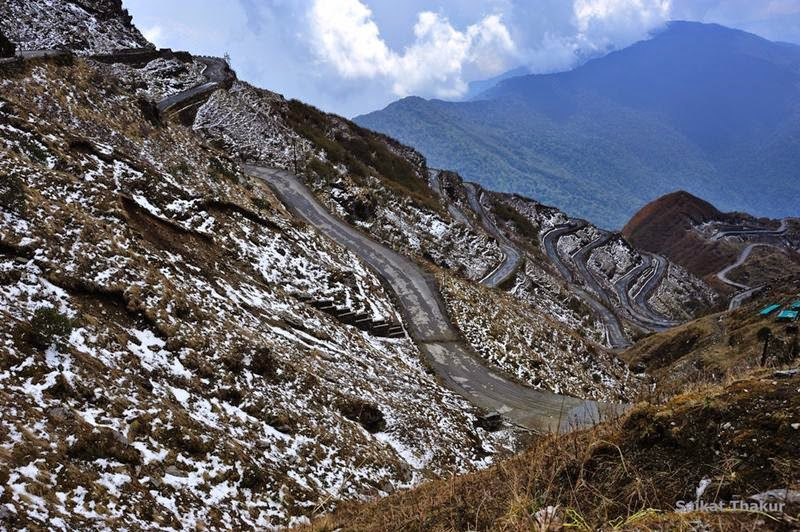 This road is fascinating and dangerous also. There are a total of 97 S-curves from Lingthum till Zuluk.