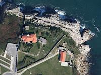 Foto aérea del Faro de Suances obtenida de Google maps