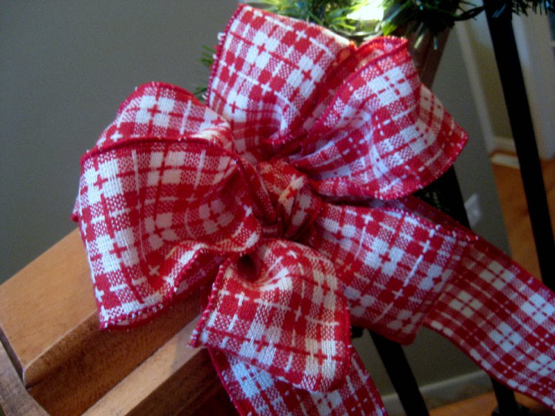 how to tie a gift ribbon