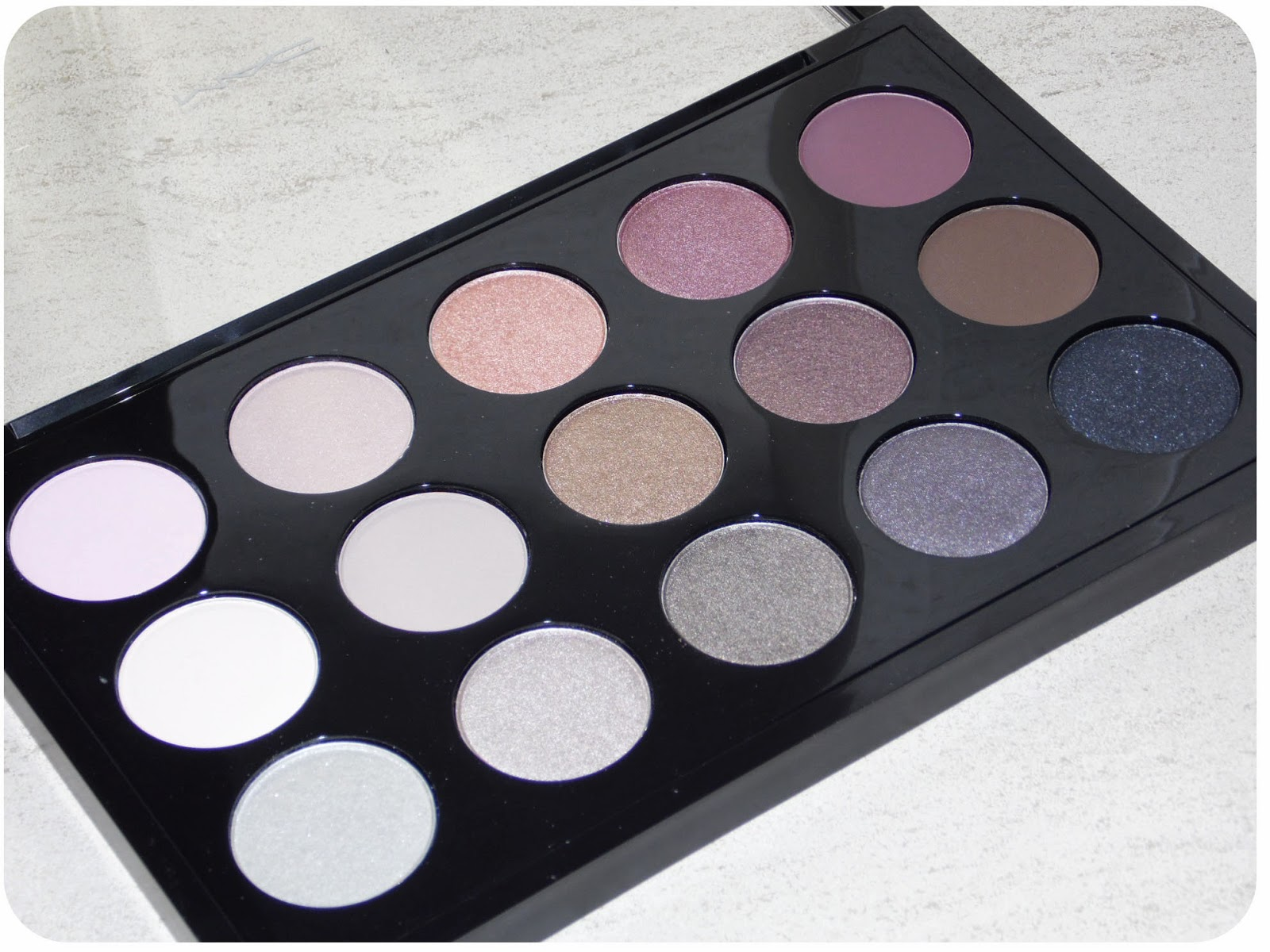 My makeup obsession mac 15x cool neutral palette review for Cool neutral color palette