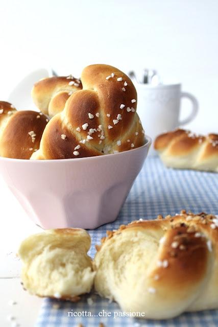 nodini di pane dolce