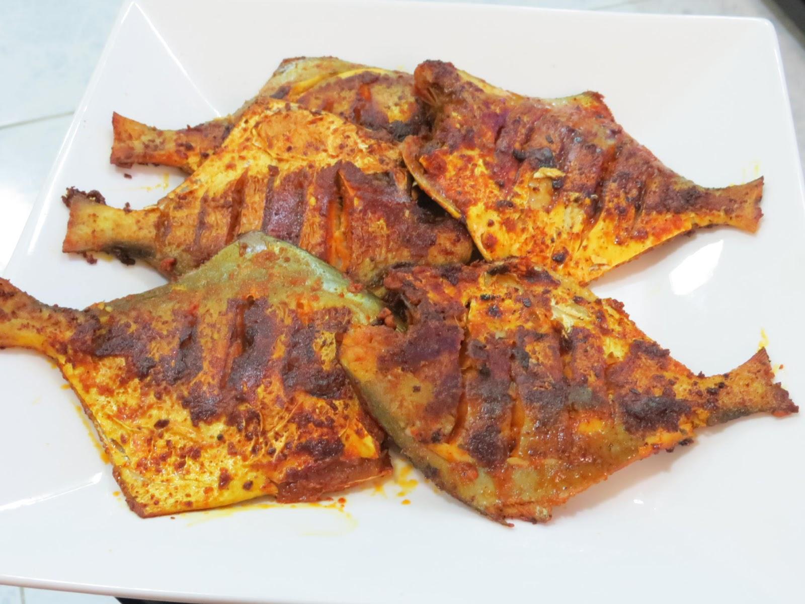 Mittu cooking love malwani style pomfret malwani fish fry for Cliffords fish fry