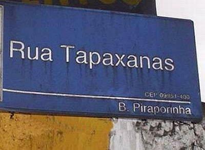 placa de Rua com nome incomum.