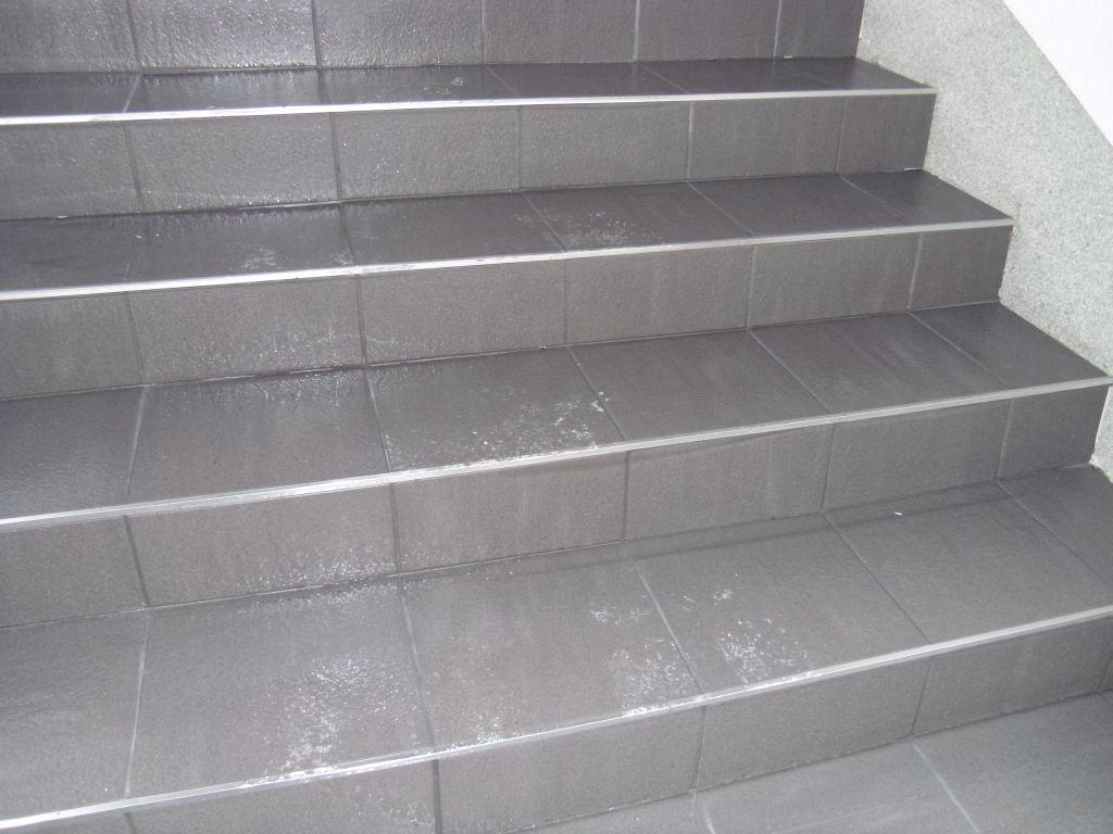 Laatat portaisiin