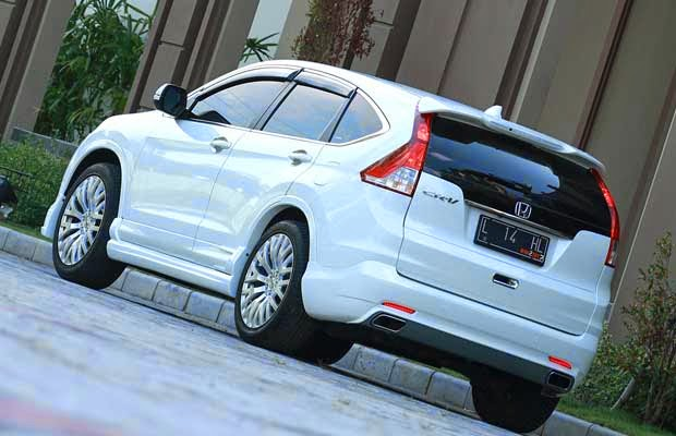 modifikasi mobil honda crv putih