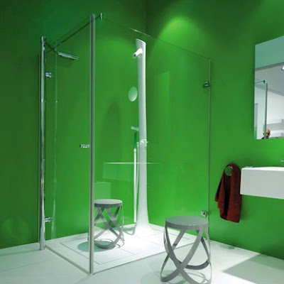 Green walls shower room design