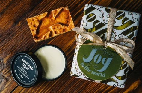Joy to the World de Lush