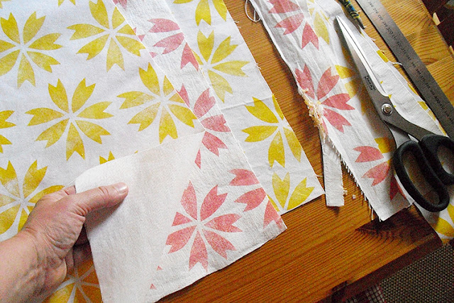 handprinted fabrics by frauschoenert