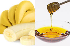 Banana and honey for redness in the face