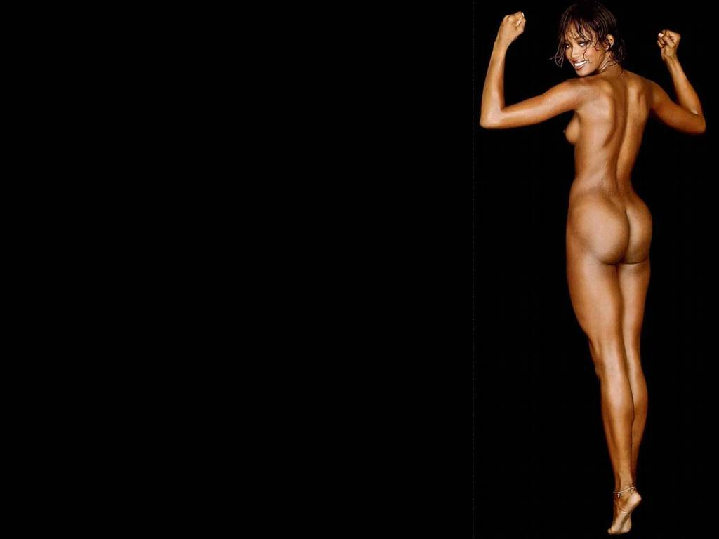 uncensored pop naomi cambpell   most naked art is good art