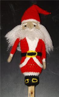 Amigurumi maraca de Papá Noel