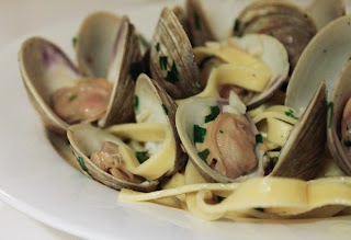 Linguine with Clams Arugula and Tomatoes Recipe | Healthy Sea Foods Recipe